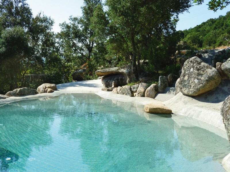 pool rund infinity holz terrasse meer panoramablick